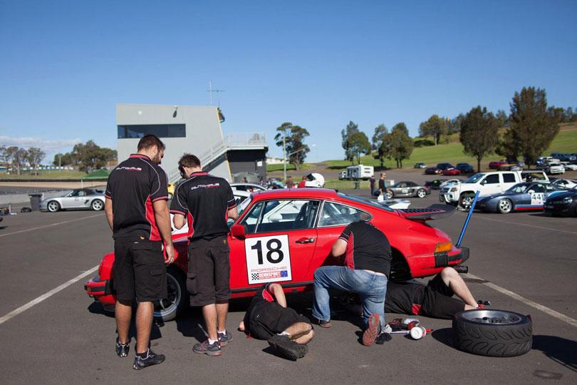 Porsche 911 Track Support